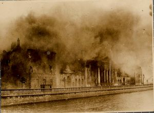 800px-Four_Courts_Conflagration